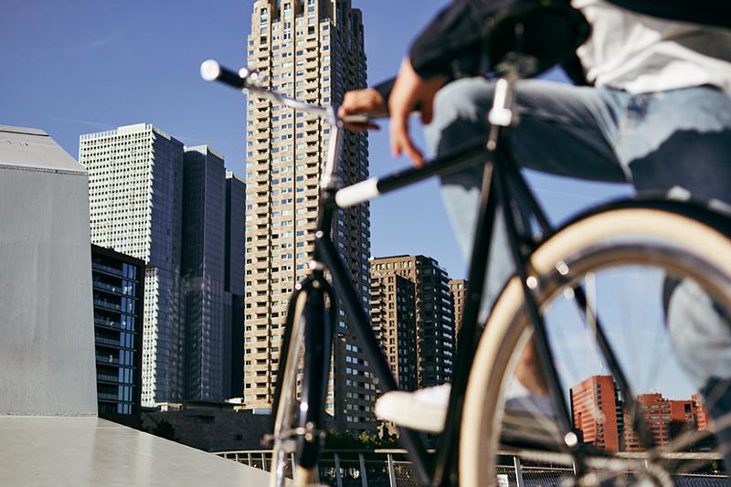 zwarte veloretti fiets van Fietslease Holland